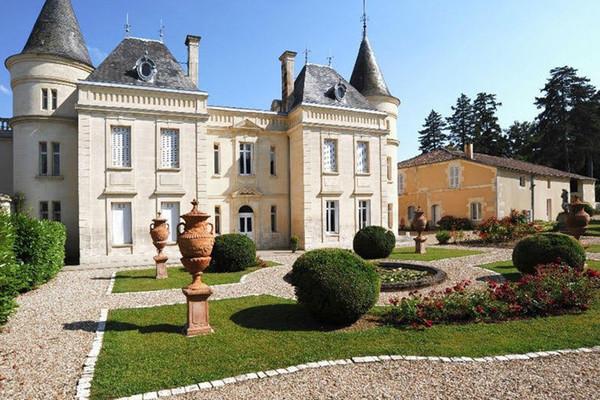 5 châteaux français en vente dans le réseau Coldwell Banker